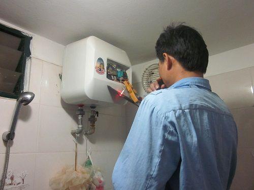 Khắc phục hiện tượng bình nóng lạnh bị rò điện