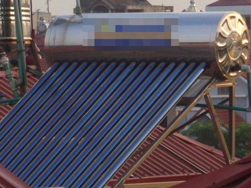 Giải pháp tiết kiệm khi dùng chung bình nóng lạnh năng lượng mặt trời